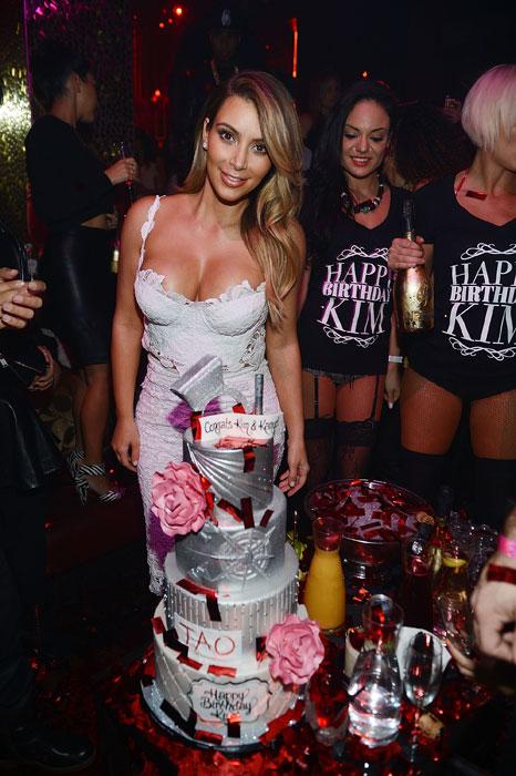 Kim-Kardashian_cake_TAO
