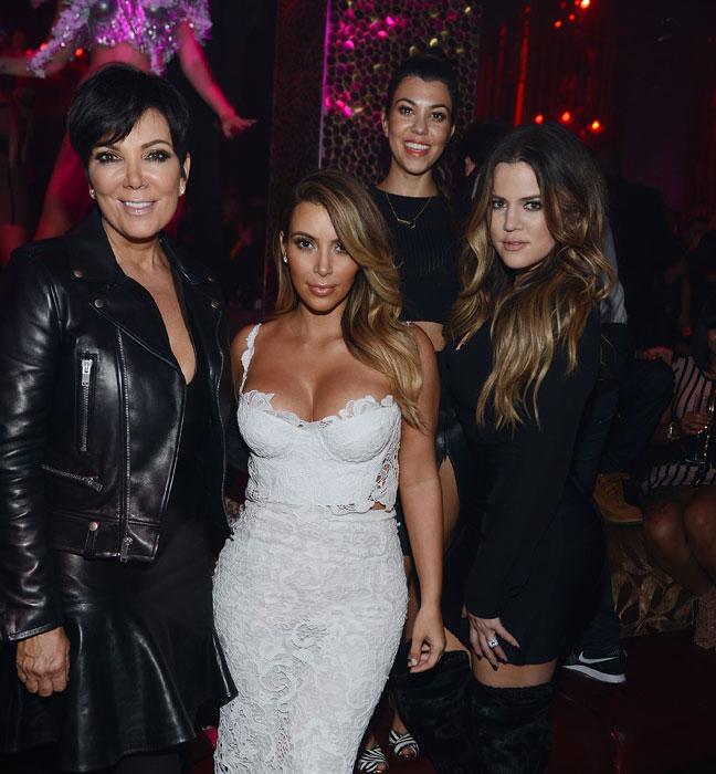 Kris-Jenner,-Kim,-Kourntey-and-Khloe-Kardashian-at-TAO