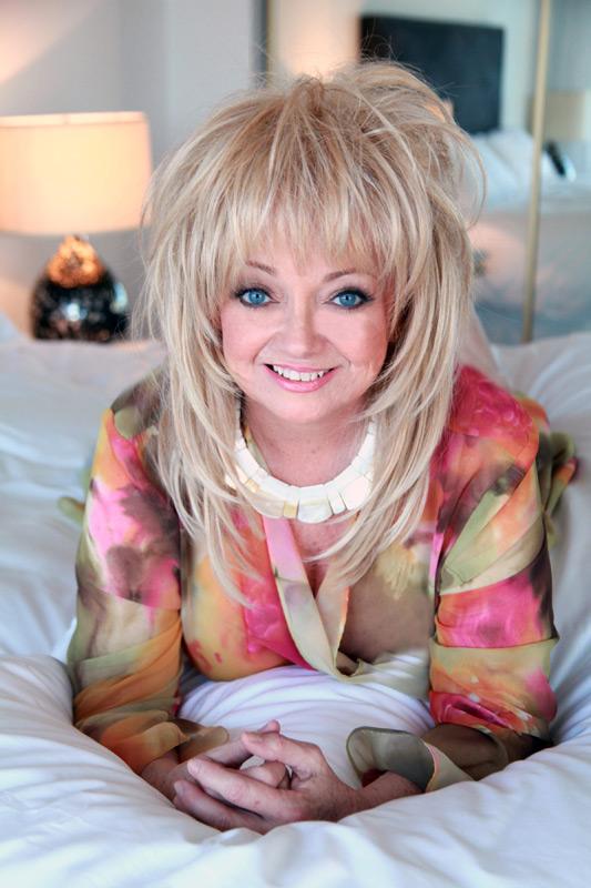 Kenny Loggins Records Duet w/ Legendary Vocalist Rosemary