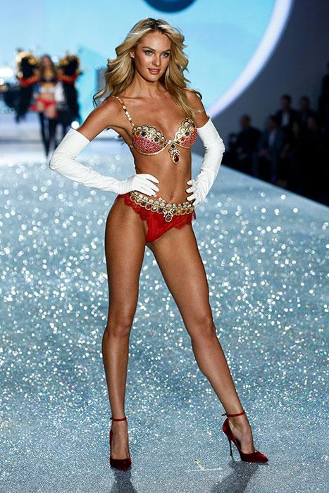 fashion-show-runway-2013-1-british-invasion-candice-victorias-secret-hi-res