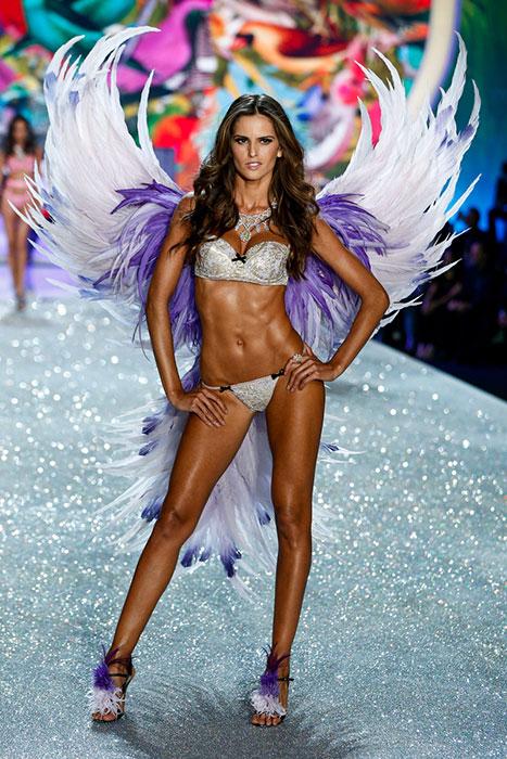 fashion-show-runway-2013-17-birds-of-paradise-izabel-victorias-secret-hi-res