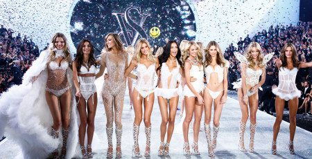 fashion-show-runway-2013-models-finale-victorias-secret-hi-res2